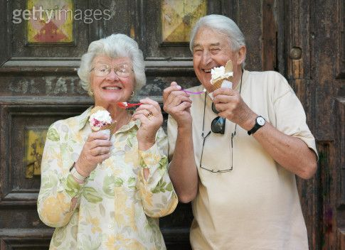 grinning-seniors-and-ice-cream