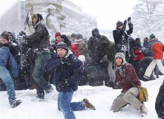 dupont-snowball-fight-huffpost-photo