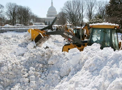snowplow-in-front-of-capitol